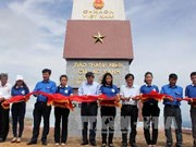 Flag pole inaugurated in island off Binh Dinh province