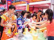 Dozens of economic deals struck at China-Vietnam border trade fair
