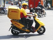 Express delivery firms invest in more technology
