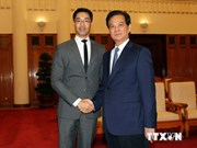 Prime Minister Nguyen Tan Dung receives WEF leader