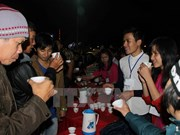 Super tea party draws 4,000 partygoers