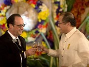 French, Filipino leaders call for action against climate change