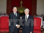 Leaders confirm Vietnam's commitment to bolster ties with Laos