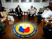 Philippines, Malaysia pledge to increase defence ties