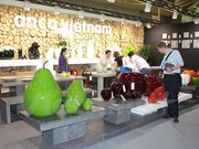 Vietnam participates in international furniture fair in Singapore
