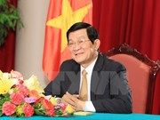 State President visits Vietnamese embassy in Laos