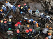PM instructs all-out efforts to rescue trapped workers in scaffold collapse