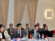 Seminars on Vietnam's security challenges held in Paris