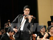 Vietnam's top violinist shares stage with US trio