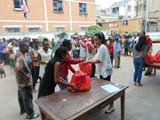 Vietnamese consulate helps flood victims in Madagascar