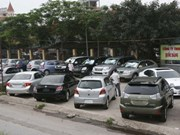 Auto industry faces risk of collapse