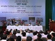 Local, foreign experts discuss Vietnam's development
