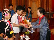 Vice President meets impoverished children on int'l holiday