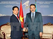 PM Nguyen Tan Dung works with Kazakh counterpart
