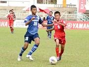 Thousands join football festival