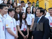 State President meets young Vietnamese expatriates