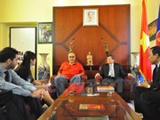 Vietnam fosters experience sharing with Italian Communist Party