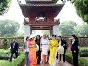 US Vice President's spouse visits Temple of Literature