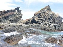 Beauty of untouched cliffs in Quang Nam