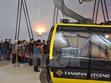 Fansipan-Sapa cable car serves tens of thousands of tourists