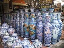 Artisan lifts Bat Trang pottery fly high