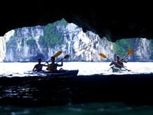 Kayak services on Ha Long Bay resume