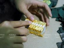 Old artisan strives to preserve gold laminating craft