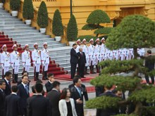 Official reception for President Xi Jinping in Hanoi