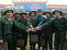 Vietnamese youths to join army this month
