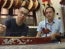 Artisan, student share passion for folk music