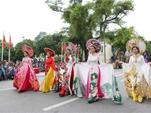 Hanoi street festival marks 10 years of city boundary extension