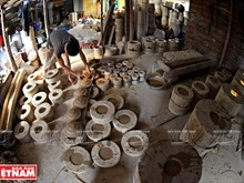 Thriving pottery making in Kim Lan commune