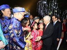Party leader joins Hanoians on Lunar New Year's Eve