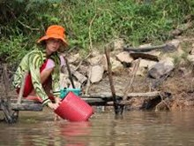 Mekong delta residents gear up to fight floods