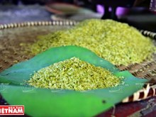 Young sticky rice flakes – delicacy of Hanoi's autumn