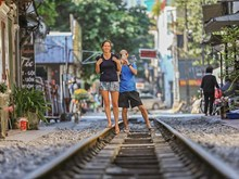 Hanoi's train street attracts foreign visitors