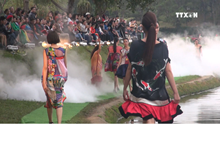 Da Lat fashion show features local silk and brocade products
