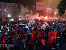 Vietnam awash in red as football team enters final