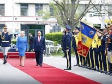 Romanian PM welcomes Vietnamese gov't leader
