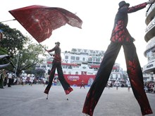 Carnival stirs up pedestrian street in Hanoi