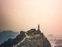 Mua cave – miniature Great Wall in Vietnam