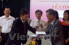 Quang Nam announces certified seal for handicraft products