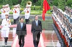 Vietnamese, UK PMs hold talks with focus on enhancing ties