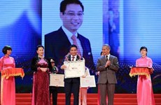 Vietnam Glory honours outstanding individuals, organisations