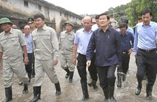 President visits flood region