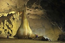Dark Cave – miniature version of Son Doong