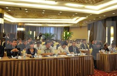 Vietnam, China seek to push trade ties