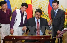 Venezuelan president concludes visit to Vietnam