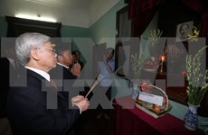 Party chief pays tribute to President Ho Chi Minh