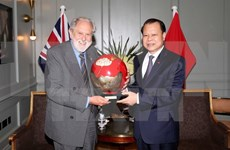 Deputy PM meets UK trade envoy during Europe visit